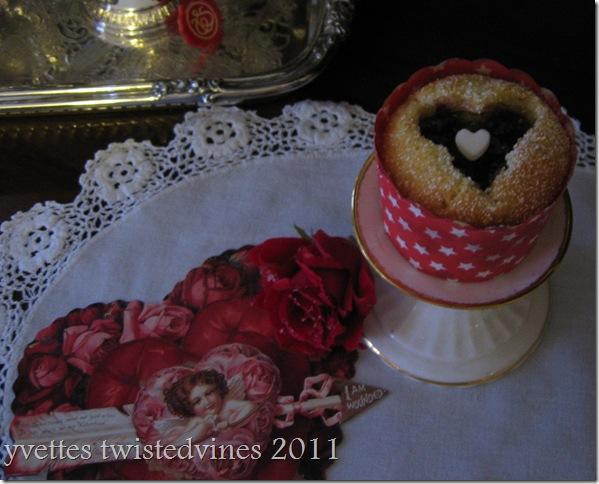 cupcake valentines 015