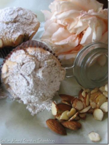 almond cupcakes 010