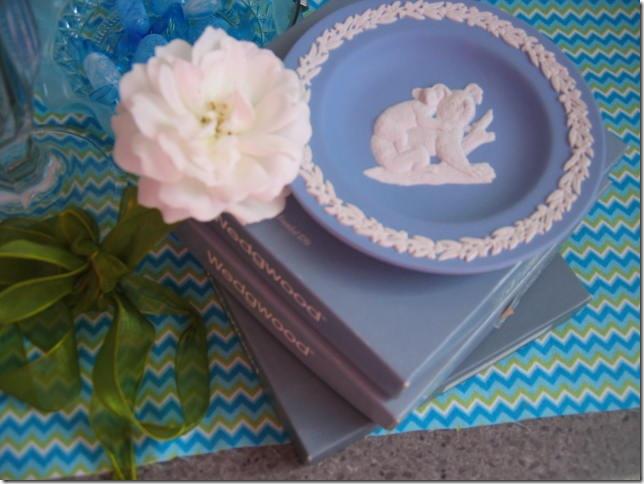blu and white 013